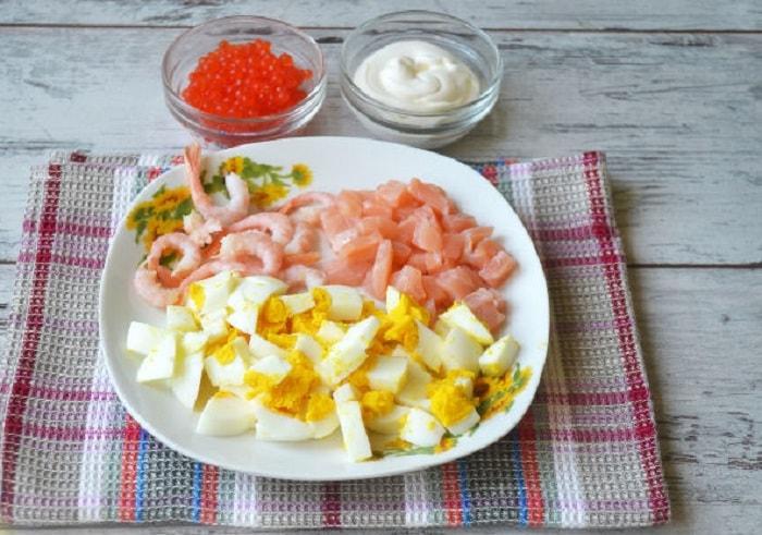Приготовление ингредиентов для салата