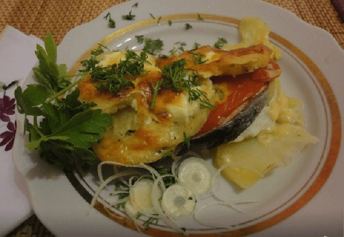 Рыба с сыром и картошкой
