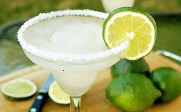 Классический коктейль «Маргарита» – картинка