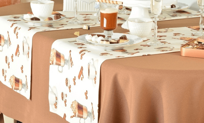 Покрыть стол скатертью