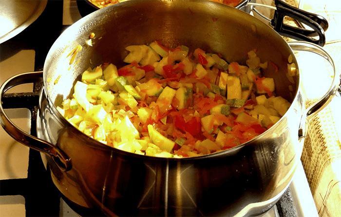 Тушеные кабачки с картошкой: 6 рецептов приготовления
