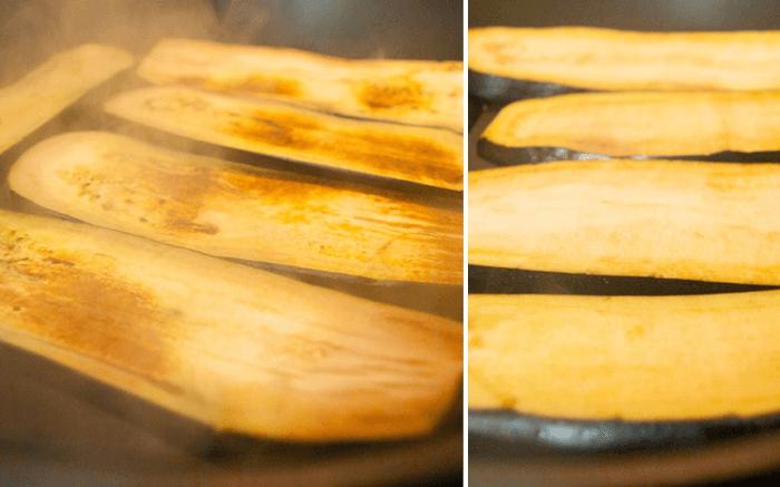 Обжаривайте полоски баклажана с каждой стороны