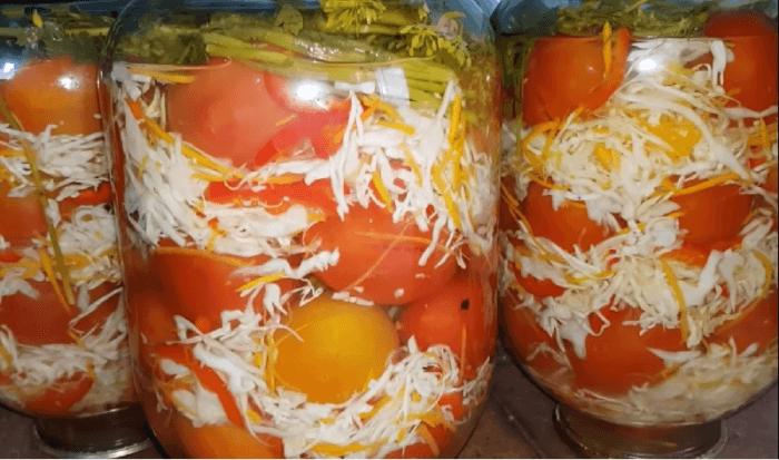 Капуста с помидорами на зиму в банках в рассоле