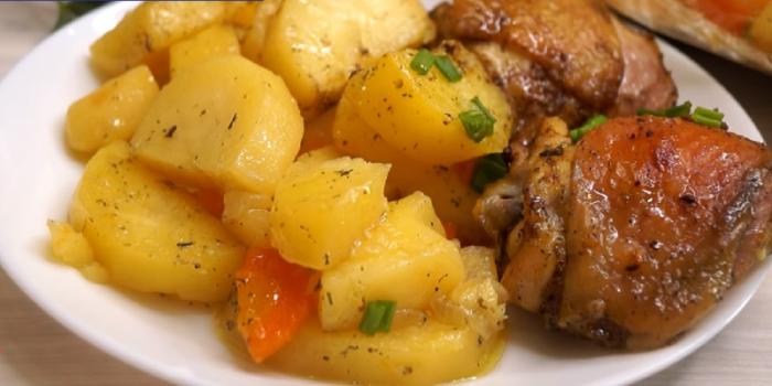 Картофель с курицей в духовке в пакете для запекания