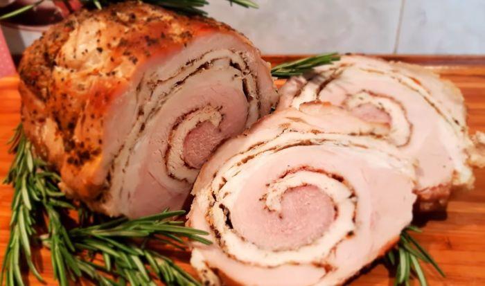 Рулет в фольге из свинины запеченный в духовке