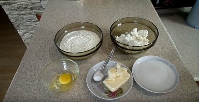 """Ингредиенты для печенья """"Гусиные лапки"""" из творога"""