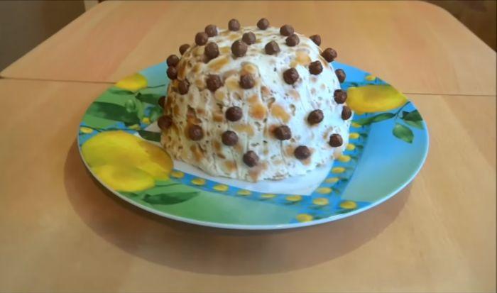 Торт без выпечки из печенья «Рыбки» – картинка
