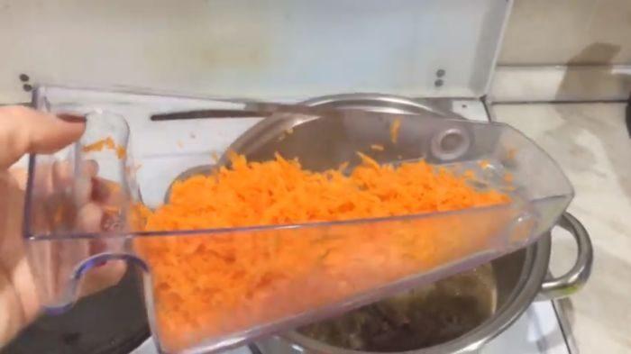 Натертая морковь