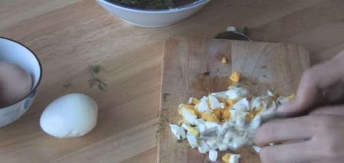 Нарезание яиц