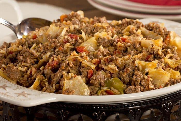Капуста с фаршем тушеная на сковороде — 5 простых и вкусных рецептов