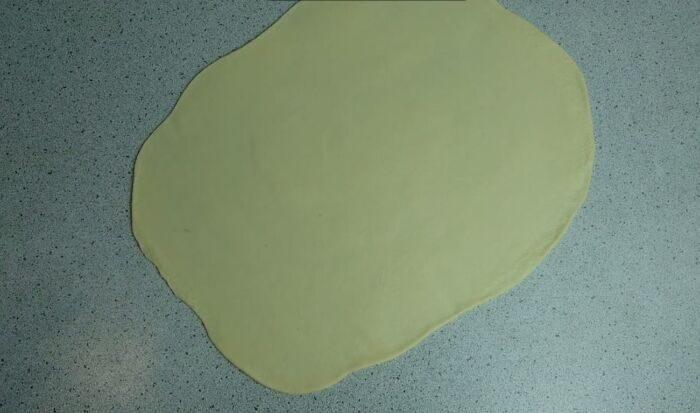 Раскатанное в пласт тесто
