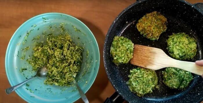 Блины из кабачков — 8 самых вкусных и быстрых рецептов