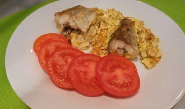 Рецепт минтая в духовке со сметаной