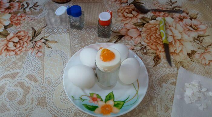 Как и сколько варить яйца, чтобы скорлупа легко чистилась